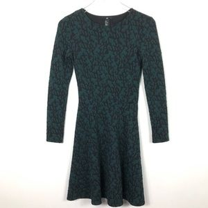 H&M Retro 90s Fit and Flare Dress Textured